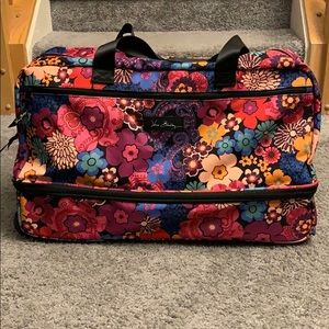 Vera Bradley Lighten up Wheeled carryon